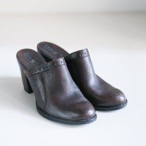 Born Dark Brown Leather Slides SZ 9